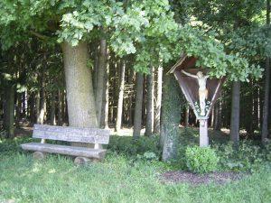 kreuz Erdweg Hofer Ferienwohnungen Monteurwohnungen München Dachau